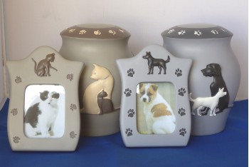 Dog & Cat Urn/Frame